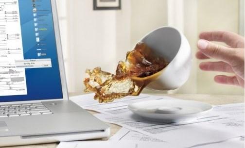 7 Thói Quen Xấu Khi Sử Dụng Laptop Nên Khắc Phục